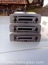 CD plejer Alfa 147 muzika