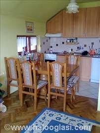 Nameštaj hrastov - sto i stolice