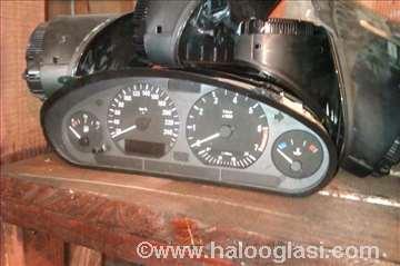 BMW E36 kontrolna tabla