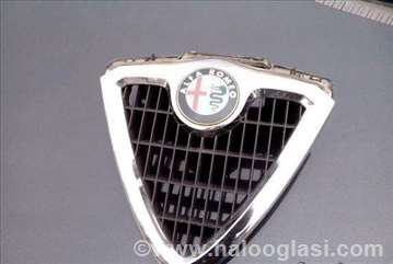 Alfa 156 maska sa znakom