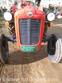 Traktor IMT 533
