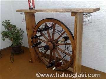 Šank, postolje za vino od starog drvenog točka