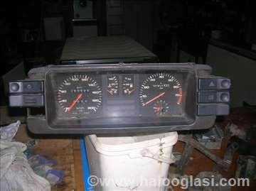 Audi 80 instrument tabla