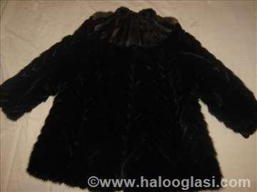 Crna bunda od nerca