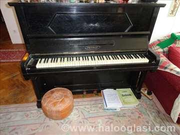 Vintage Pijanino Petrof