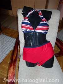 Ženski kupaći kostim iz dva dela za punije osobe