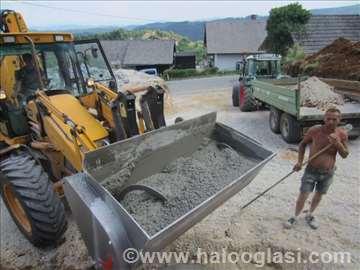 Utovarivač – mešalica za beton (kašika)