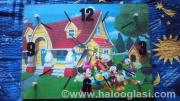 Dečji zidni sat sa Diznijevim junacima!