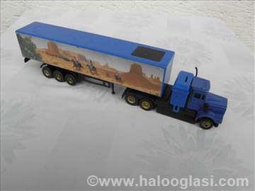 Kamion Kenworth sa prikolicom, 1:87,na daljinac