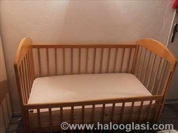 Drveni deciji krevetac