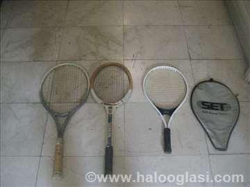 3 teniska reketa