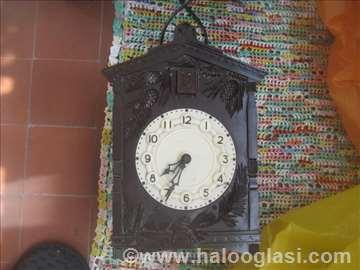 Stari sat sa kukavicom neispitan