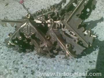 Stilski mesing patinirani uglovi  za antiknamestaj