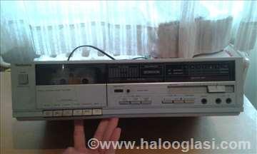 Technics stereo cassette deck