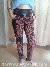 Crno-braon pantalone