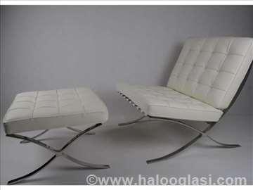 Kožna Barselona stolica sa tabureom - Beli set