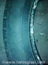 Polovne gume zimske 215/50 R17 u super stanju