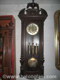 Stilski sat trotegljas