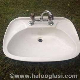 Umivaonik sa slavinom+ormaric