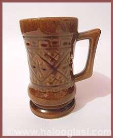 Braon šolja keramike
