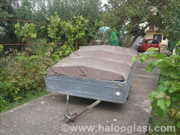 Fabricka auto prikolica - sirina 1,5m, duzina 1,8m