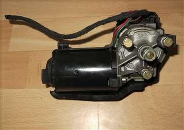 lancia y  prednji motor brisaca