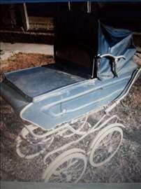 Bebi kolica stara 50 godina