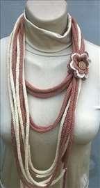 Jedinstven dodatak koji moze biti ogrlica ili sal