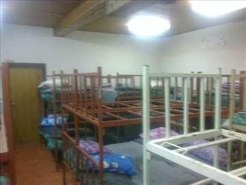 Metalni kreveti na sprat