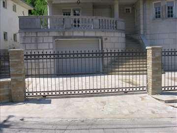 Kapije i ograde od kovanog gvožđa