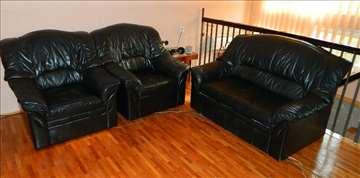 Kožni dvosed i dve fotelje