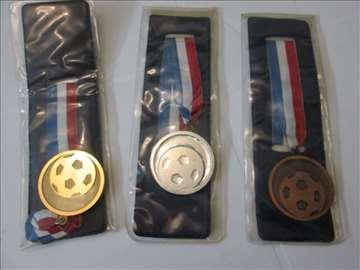 3 nove medalje za fudbal