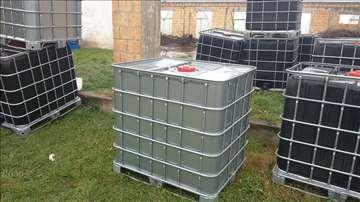 Plasticne cisterne 1000 l - bele i crne, kao nove