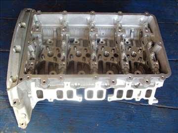 ford tranzit 2.4 2001- glava motora