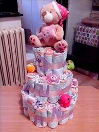Torta od pelena-sjajan poklon za babine