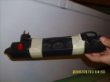 Produžni kabl sa 6 utičnica