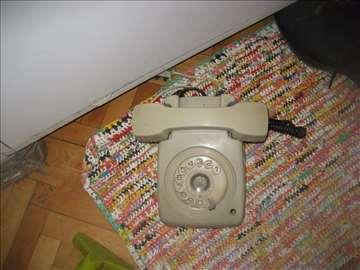 telefon retro neispitan