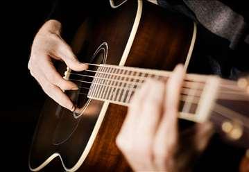 One Man Band, gitara i glas
