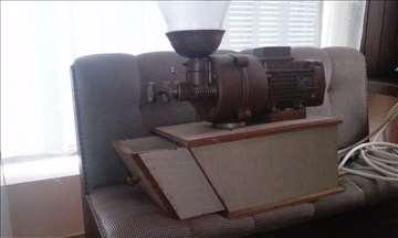 Profesionalni mlin za kafu sa kamenom