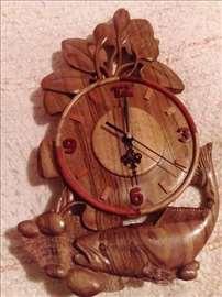 Ručno rađen zidni sat