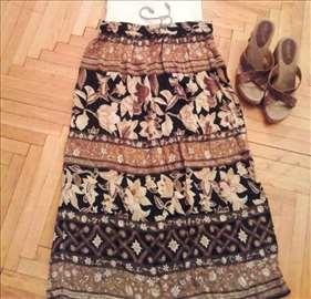 Šarena suknja sa uckurom