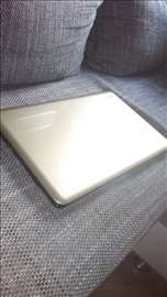 Prodajem laptop