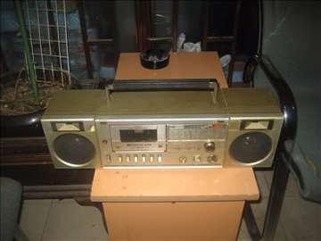 Radiokasetofon1 neispitan