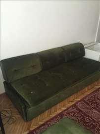 Sedeća garnitura - trosed i 2 fotelje
