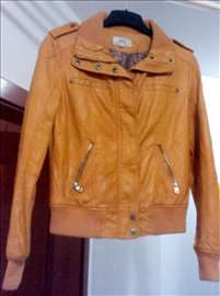 Prodajem novu jaknu