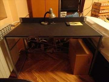 Radni sto, prostran, očuvan