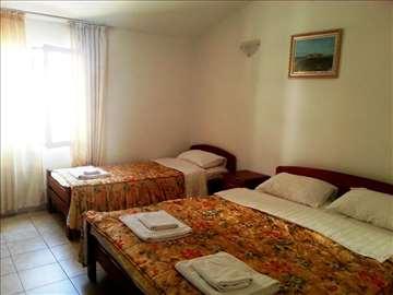 Crna Gora, Petrovac, apartmani Četiri ribe