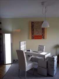 Radni sto za manikir