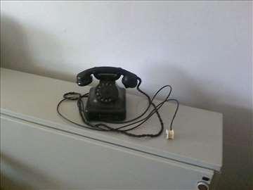 Telefon Siemens iz 1945. god.