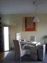 Manikir sto + poklon stolice